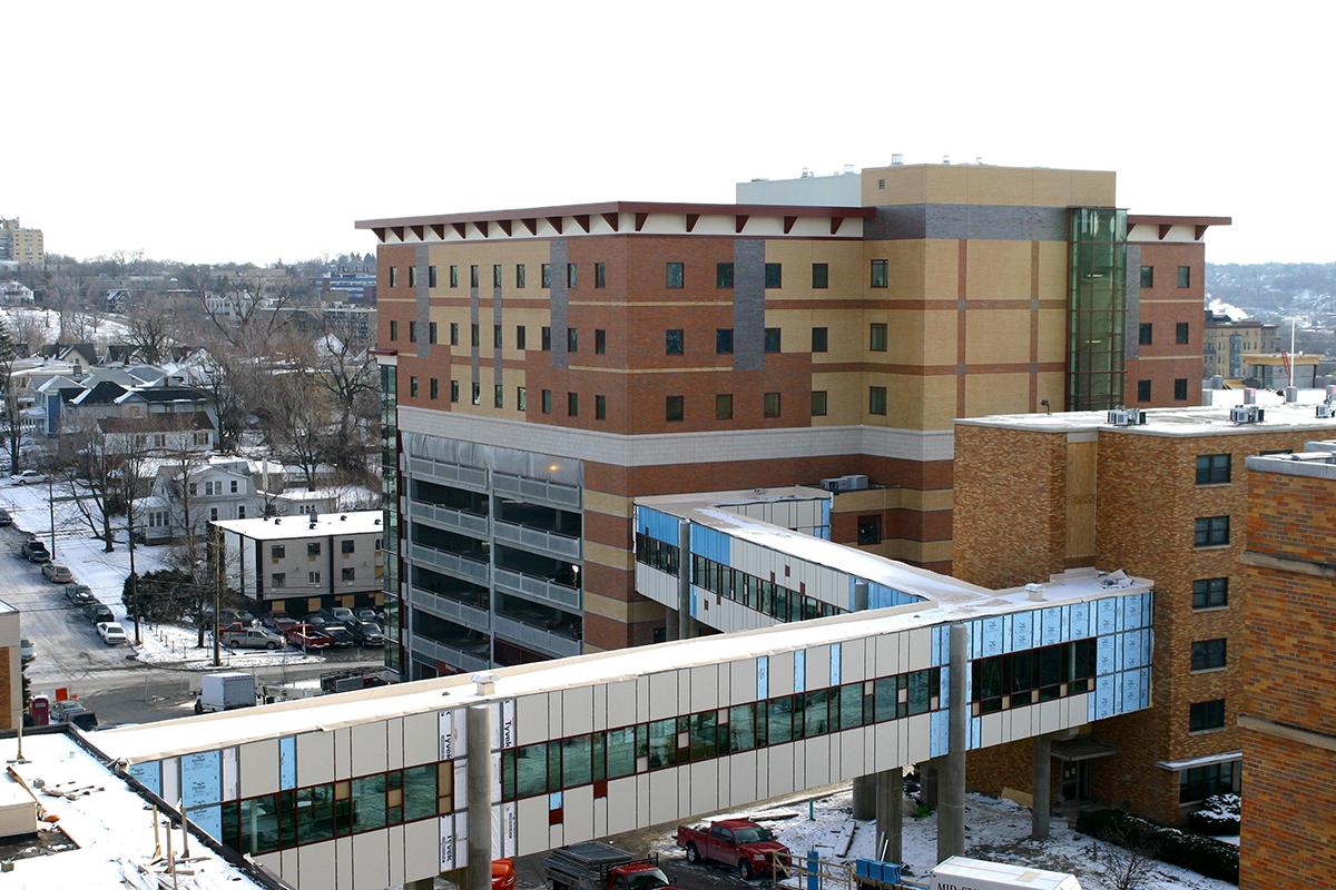 St. Joseph's Hospital – Pedestrian Bridge and Parking Garage